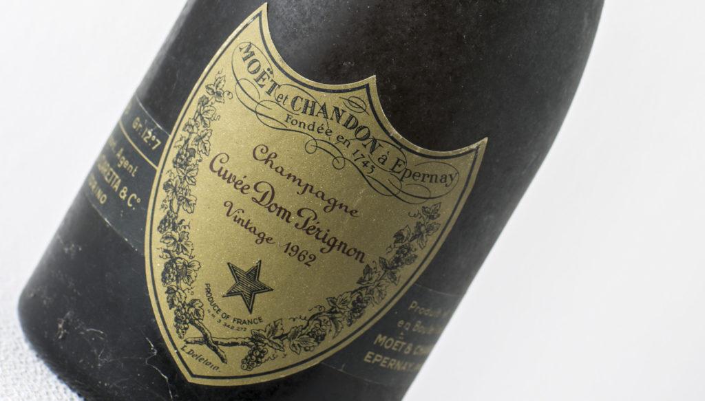 Champagne_Dom_Pérignon_1962_particolare